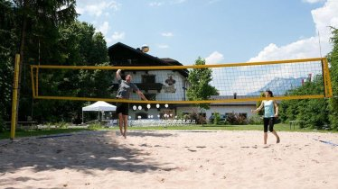 Hotel Hirschen mit Beachvolleyballplatz
