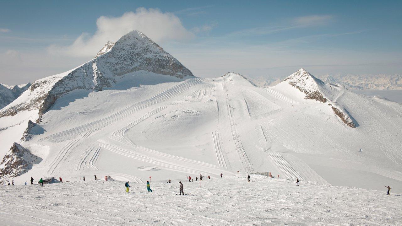 Hintertuxer Gletscher mit dem Olperer im Hintergrund, © Tirol Werbung/Regina Recht