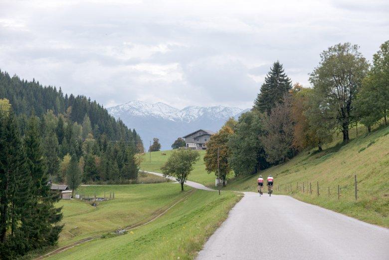 Die Tour von Innsbruck ins Unterland führt durch viele Dörfer.