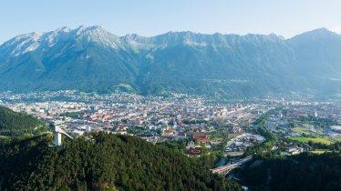 Blick auf Innsbruck im Sommer, © Innsbruck Tourismus