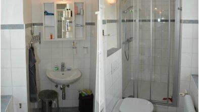 Ferienwohnung Ravelli, Badezimmer