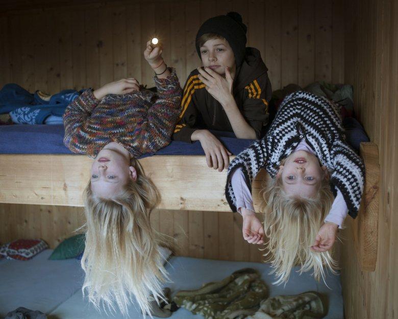 Abhängen auf der Hütte. (Foto: Jens Schwarz, Tirol Werbung)