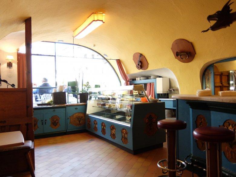Herrlich altmodische Einrichtung – bitte ja nicht erneuern – Cafe Praxmair in Kitzbühel