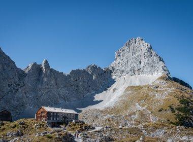 Die Lamsenjochhütte unterhalb der Lamsenspitze im Karwendel. , © Silberregion Karwendel