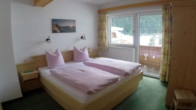 Schlafzimmer3-3