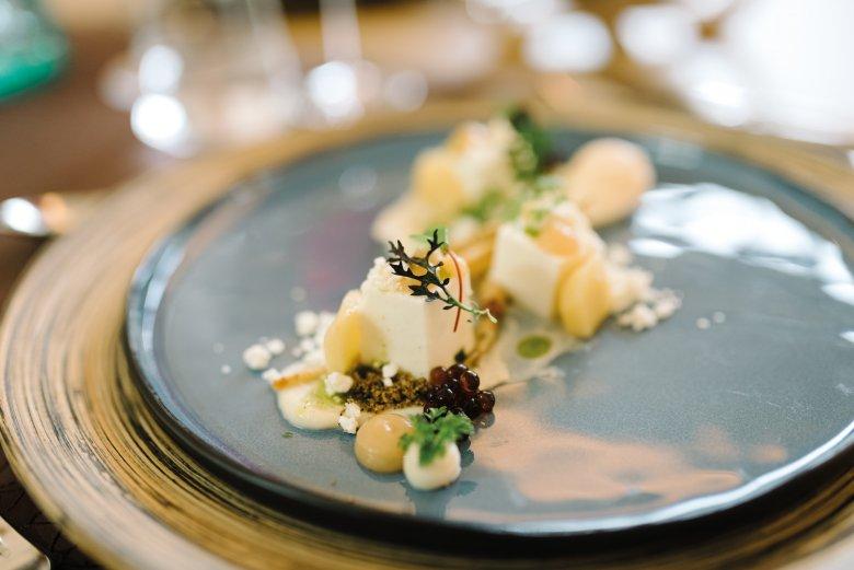 Nachspeisen sind eine von vielen Spezialitäten imm Guatz Essen.            , © Tirol Werbung /Sebastian Gabriel