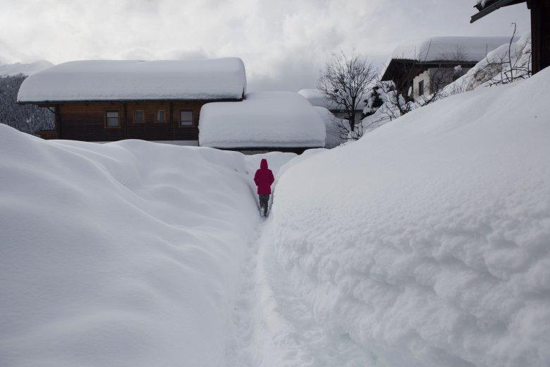 Das tief verschneite Obertilliach. (Foto: Tirol Werbung)
