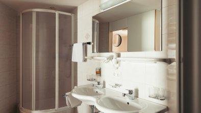 Badezimmer - Großes Familienzimmer