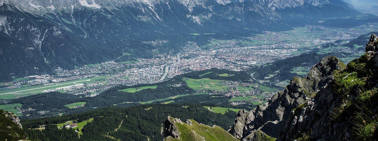 Blick vom Gipfel der Nockspitze auf Innsbruck, © TVB Innsbruck