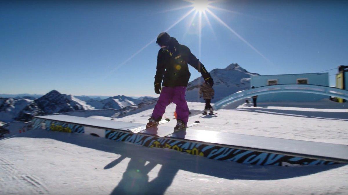 Skifahren lernen: Freestyle-Ski   Skikurs online, © Tirol Werbung