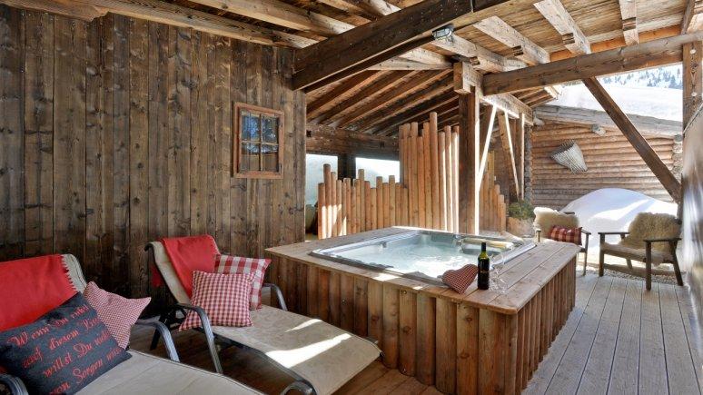 Hütten in Tirol: Wellnessbereich im Almnest in Hochfügen, © Familie Kostenzer