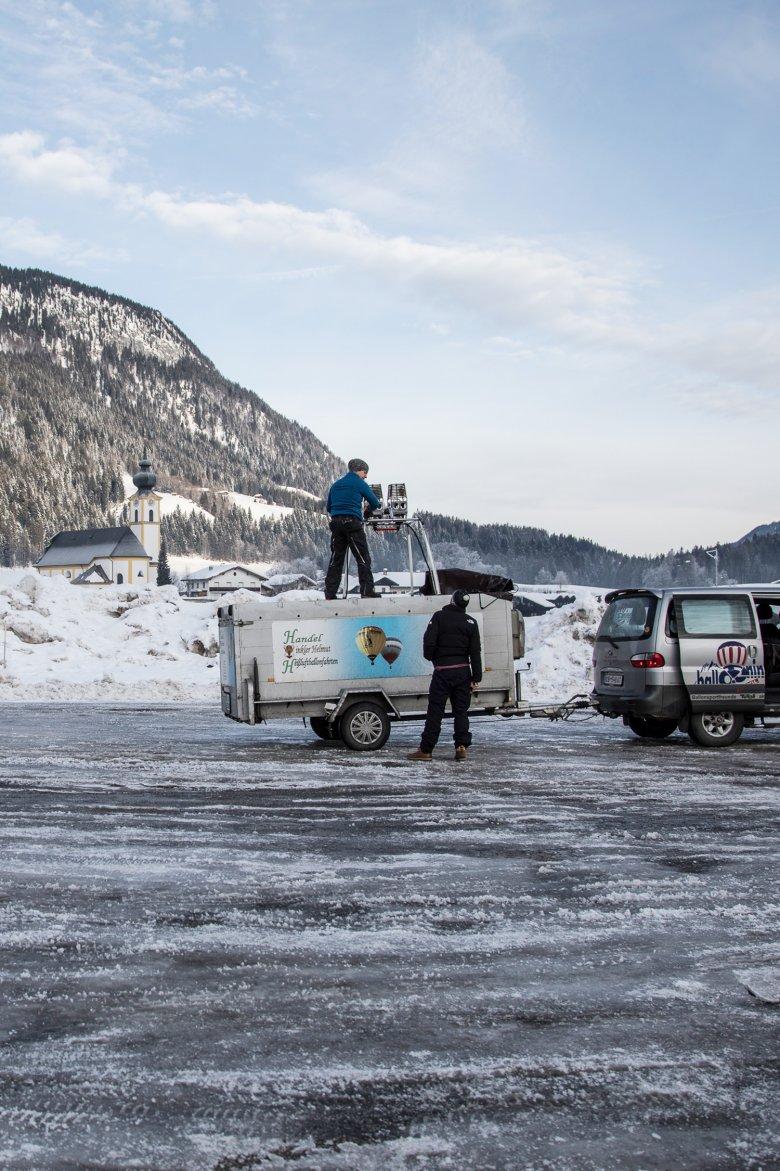 Das Abenteuer beginnt früh morgens auf einem Parkplatz im Brixental.