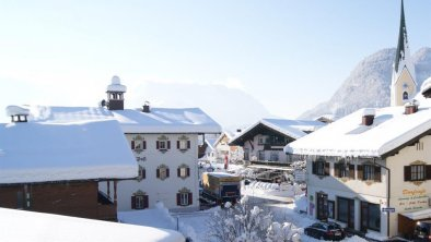 Haus 2 - Ausblick ins Dorf Kössen