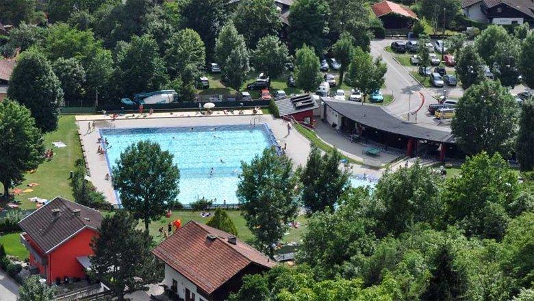 Schwimmbad Zirl, © Innsbruck und seine Feriendörfer