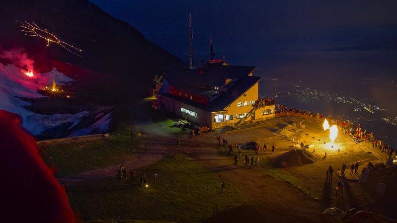 Sonnwendfeier auf der Seegrube oberhalb von Innsbruck, © Andreas Amplatz / Nordkettenbahnen