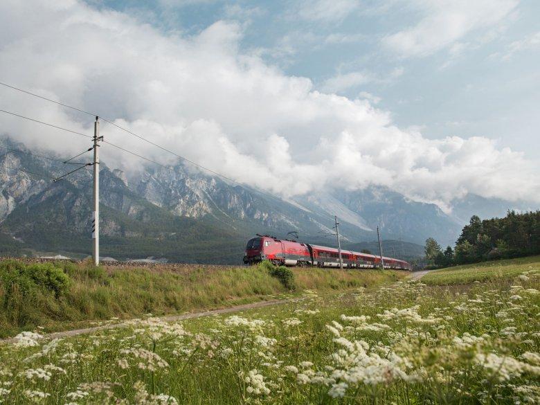 Viele Wanderungen  eignen sich ideal für eine Anreise mit Bahn und Bus.