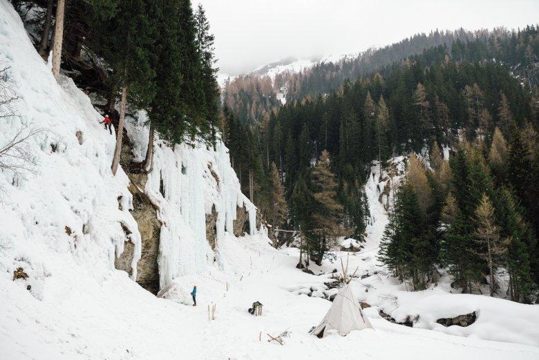 Im Eispark Osttirol gibt es mehr als 70 Routen in allen Schwierigkeitsstufen. Die Eisfälle werden künstlich geschaffen.