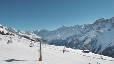 MayrhofnerBergbahnen_Skifahren_am_GeniesserbergAho
