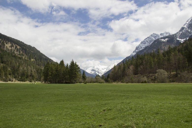 Die Rennrad-Runde durch's Karwendel verläuft auch durch Bayern.