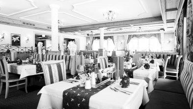Restaurant Hotel Riedl in Kössen Tirol, © VANMEY Photography