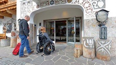 Barrierefreier Zugang ins Hotel, © Hotel Hochfilzer GmbH
