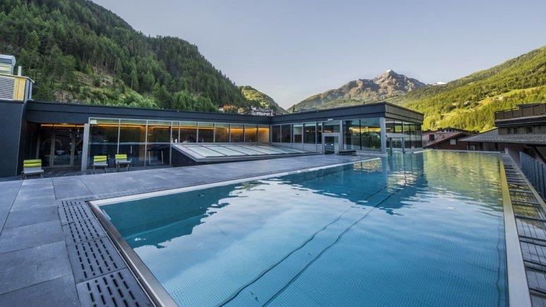Hotel die Berge Pool Sommer