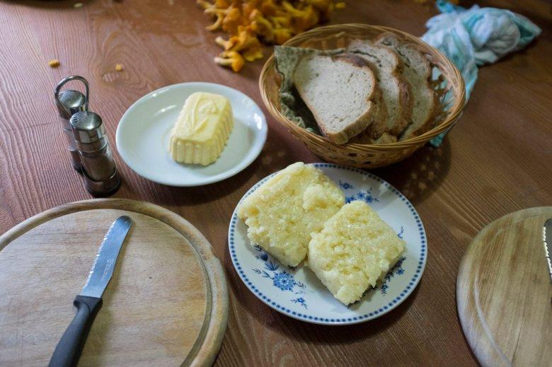 Aus eigener Erzeugung: Die Falbesoner Ochsenalm ist eine der wenigen Almen in der Umgebung, wo Milch, Butter und Graukäse selber produziert werden.