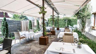 Hotel Alpenrose Kufstein - Terrasse im Sommer