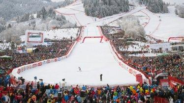 Zieleinlauf beim Hahnenkamm-Rennen in Kitzbühel, © Tirol Werbung/Jens Schwarz