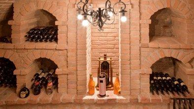 Im Weinkeller, © Boutique Hotel Schloss Matzen