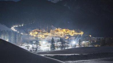 Der-Laerchenhof_Aussenaufnahme_Winter-Nacht_2000px