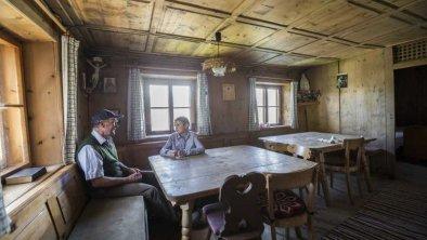 Die Bauernstube mit Holzofen, © im-web.de/ DS Destination Solutions GmbH (eda3 Naud)