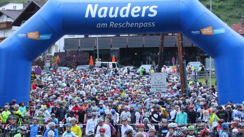 Dreiländergiro: Bis zu 3.000 Teilnehmende radeln durch Österreich, Italien und Schweiz, © sportograf