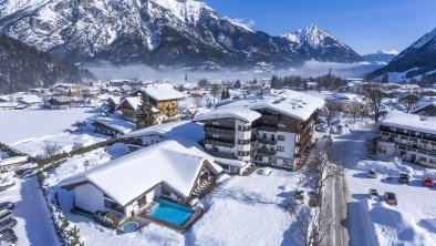 Hotel_Karlwirt_Hnr_26_Pertisau_02_2019_aussen_Wint, © Hotel Karlwirt