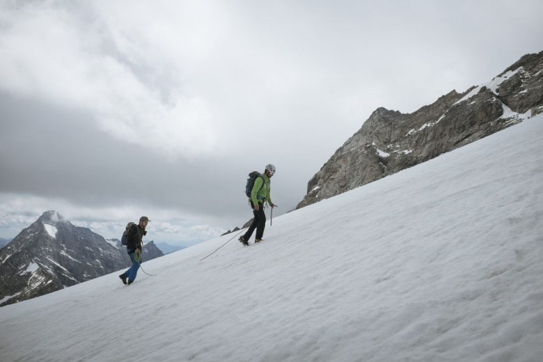 """Wir queren den """"Schneegupf"""" in 3.000 Metern Höhe."""