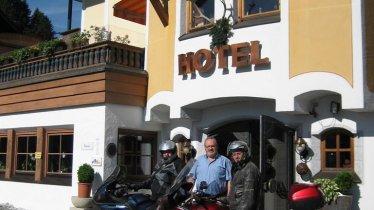 Motoradfahrer schöne Aussicht St Johann in Tirol, © Hotel zur schönen Aussicht St Johannn