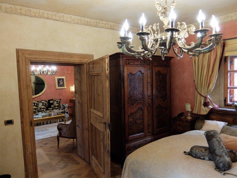 In keinem der Räume wird mit üppiger Ausstattunggespart – eine unvergleichliche Atmosphäreentsteht.