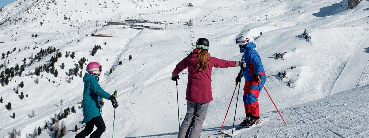 Skifahren mit Skilehrer, © Tirol Werbung / Herbig Hans