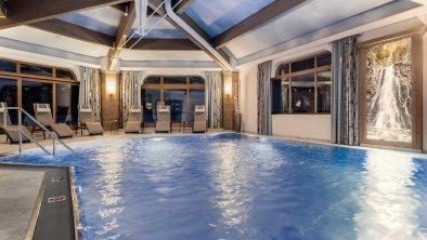 Indoor-Pool_Hotel Riedl_Kössen_(c) Alex Gretter (1, © Hotel Riedl_ (c) Alex Gretter
