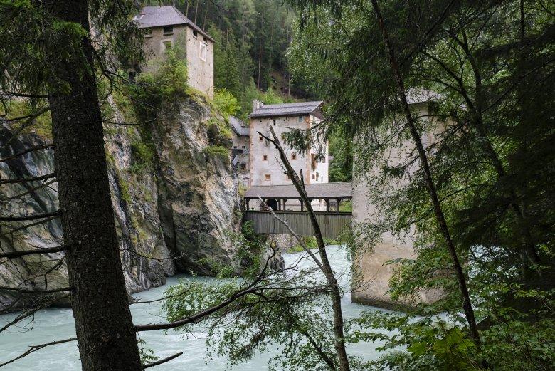 Die Altfinstermünzbrücke bei Nauders.
