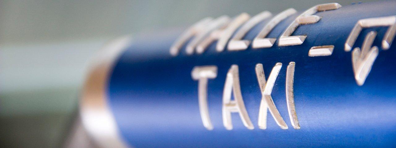 Taxi Service am Bahnhof, © Tirol Werbung