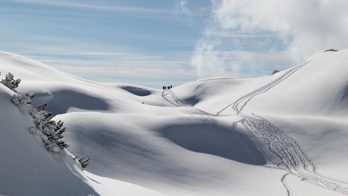 Karwendel und Rofan bieten Skitourengehern, die sich die Bergwelt in ihrem eigenen Tempo erobern möchten, unzählige Möglichkeiten für Touren in allen Schwierigkeitsgraden., © Achensee Tourismus