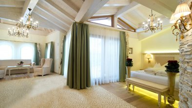 Der-Laerchenhof_Zimmer_Romantiksuite-de-luxe-2