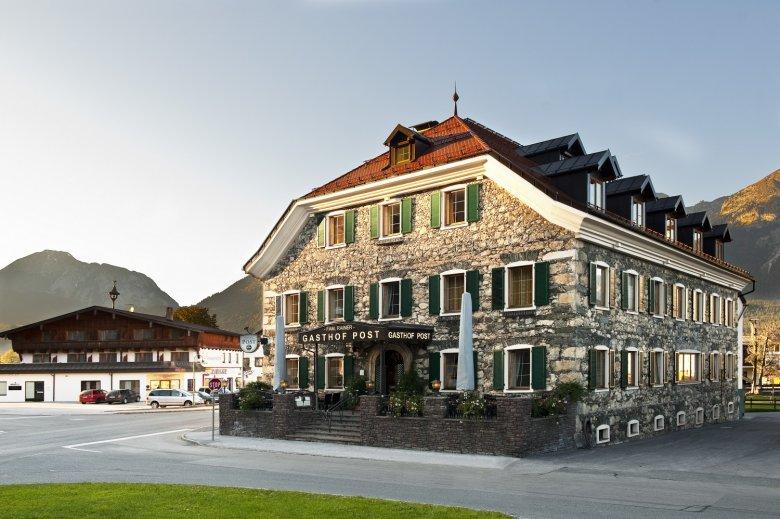 Der Gasthof Post im Zentrum von Strass