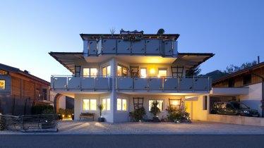 Appartementhaus Charisma Hausansicht Sommer
