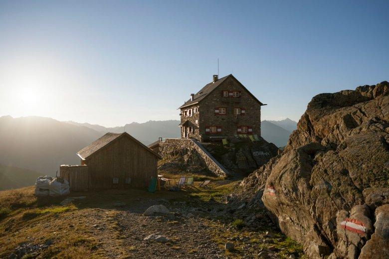 Erlanger Hütte. Foto: Tirol Werbung / Jens Schwarz., © Tirol Werbung / Jens Schwarz