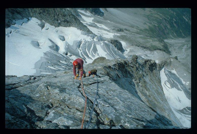 Darshanol L. Rieser lässt den Alpinjournalisten Hans Steinbichler und dessen Sohn in den Genuss des Mittergrats am Grundschartner kommen.