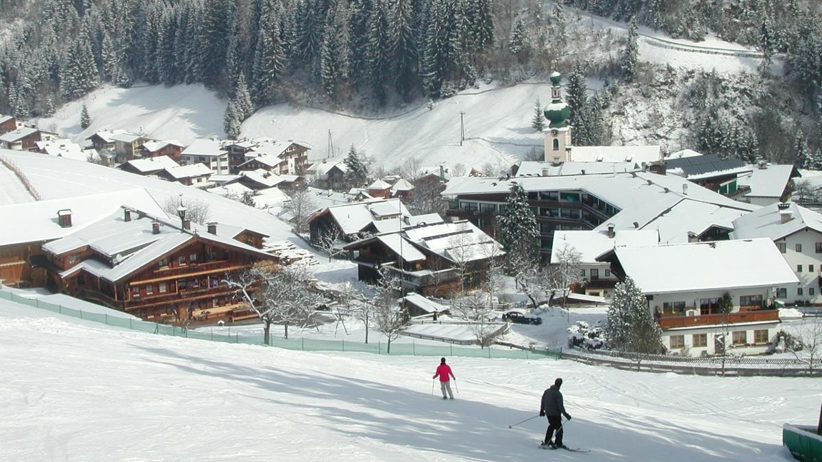 """Das """"Skijuwel Alpbachtal Wildschönau"""" bietet 109 Pistenkilometer sowie drei Funparks für Anhänger von Trendsportarten und zählt damit zu den zehn größten Skigebieten Tirols. Der Schatzberg ist der Hausberg der Auffacher., © Wildschönau Tourismus"""