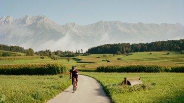 Rennradfahren am Natterer Boden , © Tirol Werbung / Georg Marshall
