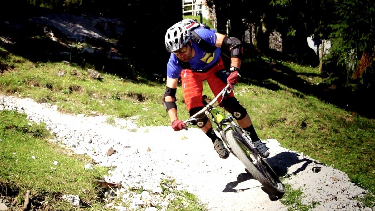 MTB Fahrtechnik Training (5): Mountainbike Kurven fahren